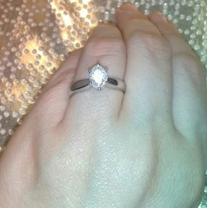 1 carat diamond oval solitaire ring  new